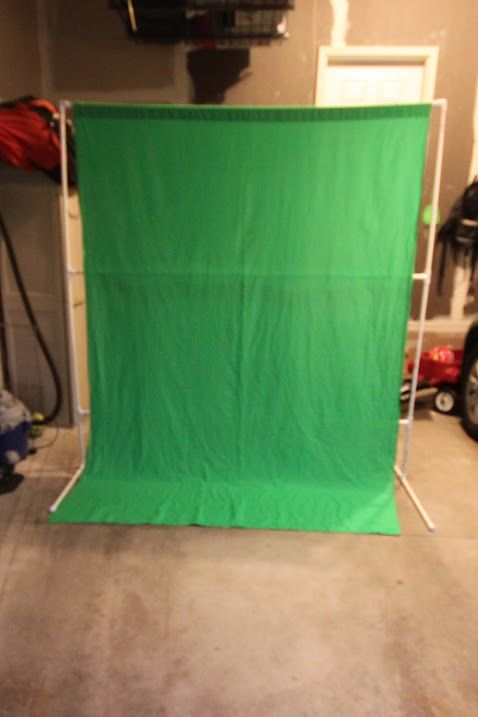 DIY Green Screen backdrop stand  for video or photography   http://www.biblemoneymatters.com/how-to-create-a-diy-green-screen-setup/