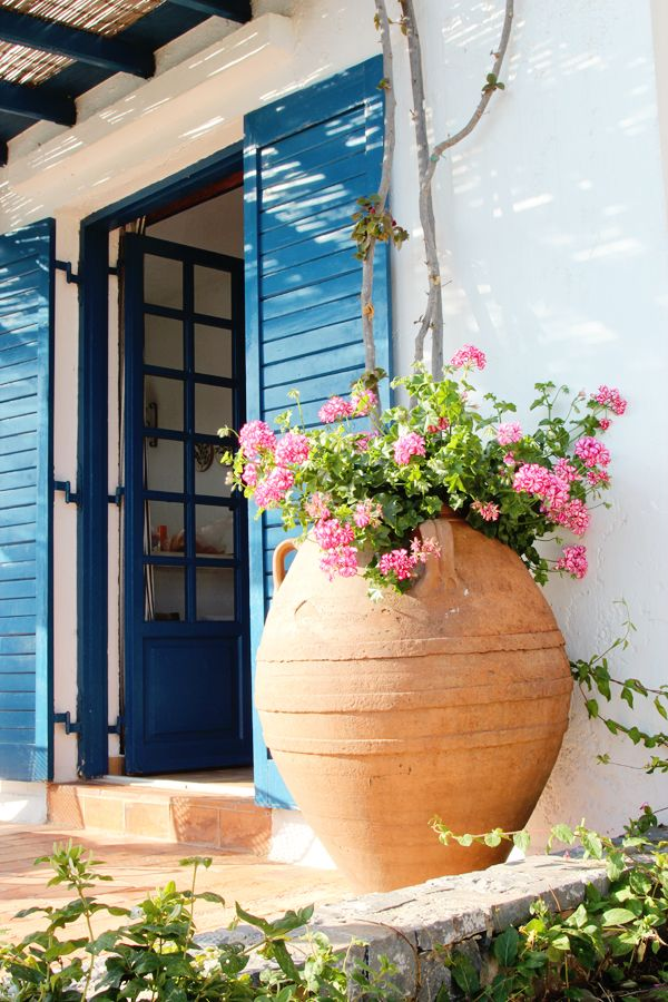 TRAVEL REVIEW: OUR HOLIDAY ON CRETE, GREECE   THE STYLE FILES