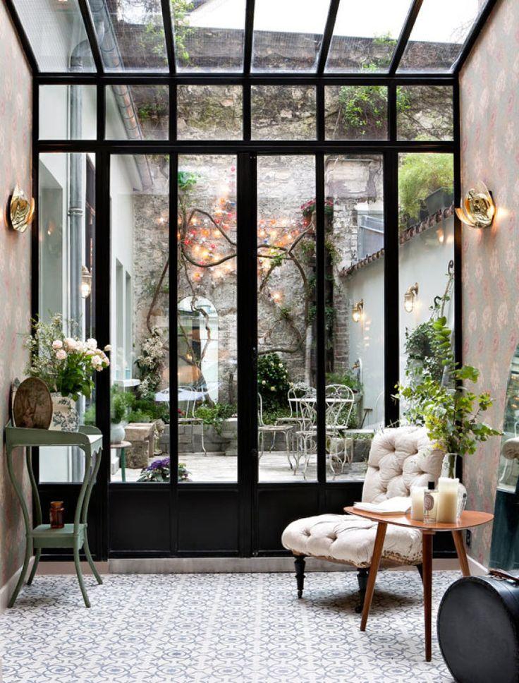 16 - Hotel em Paris possui ambientes com décor cheio de charme