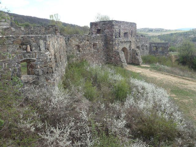 Kirándulóutak Magyarországon : Séta az Egri várhoz