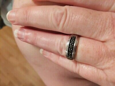 Ebay Ad 10 Karat White Gold Men S Wedding Band With 5 Black Diamonds Paid 899 99 In 2020 Mens Gold Wedding Band Mens Wedding Bands Mens Wedding Bands White Gold
