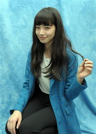 画像:ウィンクをしている小松菜奈ちゃん | 【画像40枚以上】『渇き。』でブレイク、小松菜奈ちゃんの画像まとめ【ファッション/洋服】の17枚目 | LAUGHY [ラフィ]