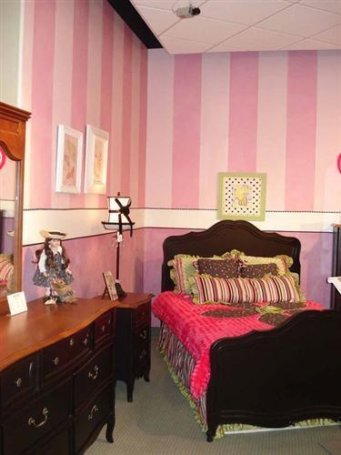 1000 Ideas About Pink Stripe Wallpaper On Pinterest Stripe Wallpaper Toile Wallpaper And