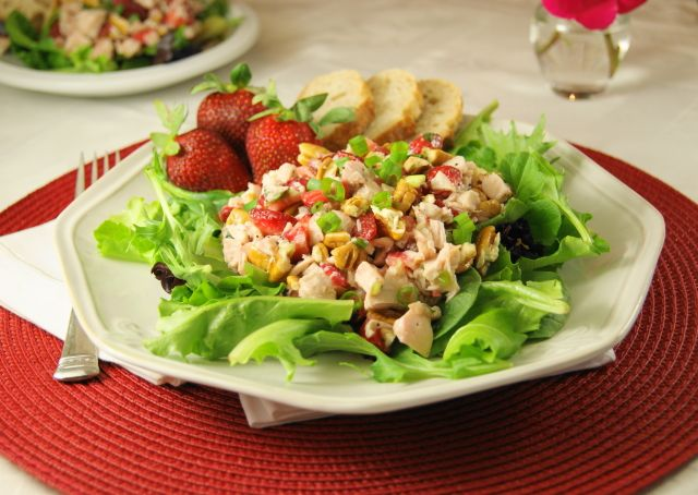 The Kitchen is My Playground: Strawberry Chicken Salad & Homemade Poppy Seed Dressing