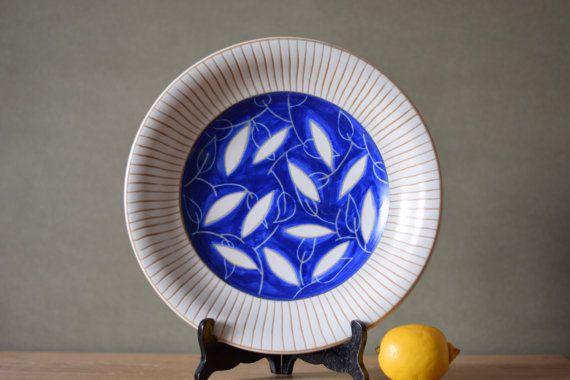 Vintage Danish  big bowl / platter  leaf decor  by danishmood