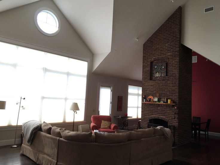 Country. Traditional high ceilings