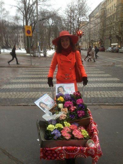 Lisa Sounio-Ahtisaari kevään sanansaattajana Suomen talvessa.