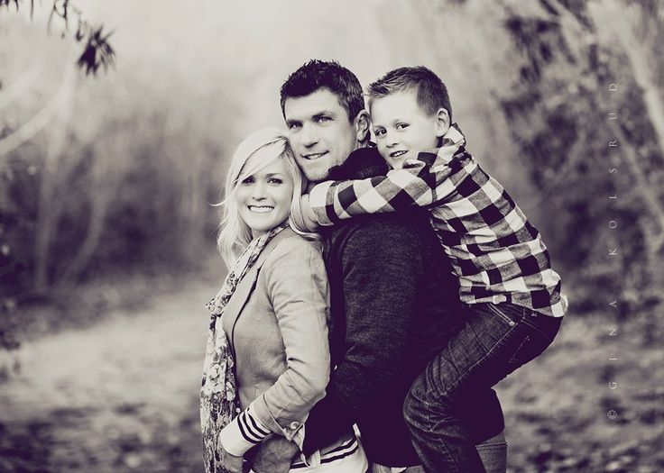 family of three photo poses | Family Pose - Gina Kolsrud Photography | photography