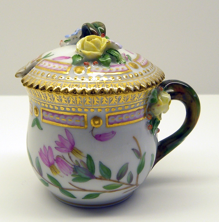 Covered Mustard Pot Oxycoccus palustris Rupe from 1939