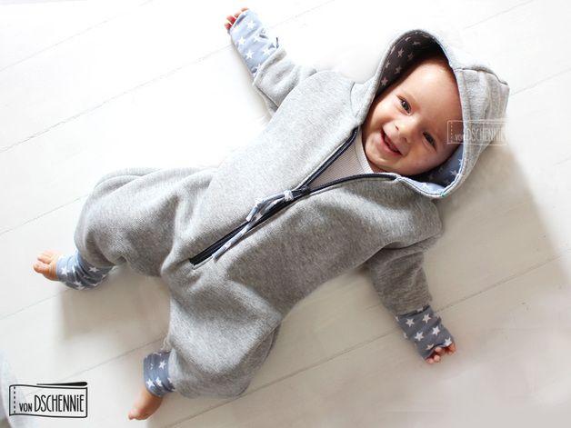 Kuscheliger Kapuzenanzug für Neugeborene, Hoodie / cute and comfy hoodie pyjama by vonDschennie via DaWanda.com
