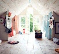 Um die Gestaltung von Kinderdachböden-Designs zu komplettieren, können Sie helle Vorhänge nutzen, farbvolle Kissen, eine Wanduhr, Kindertische und -stühle..