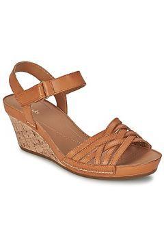 Sandaletler ve Açık ayakkabılar Clarks RUSTY WISH https://modasto.com/clarks/kadin-ayakkabi-sandalet/br18611ct19