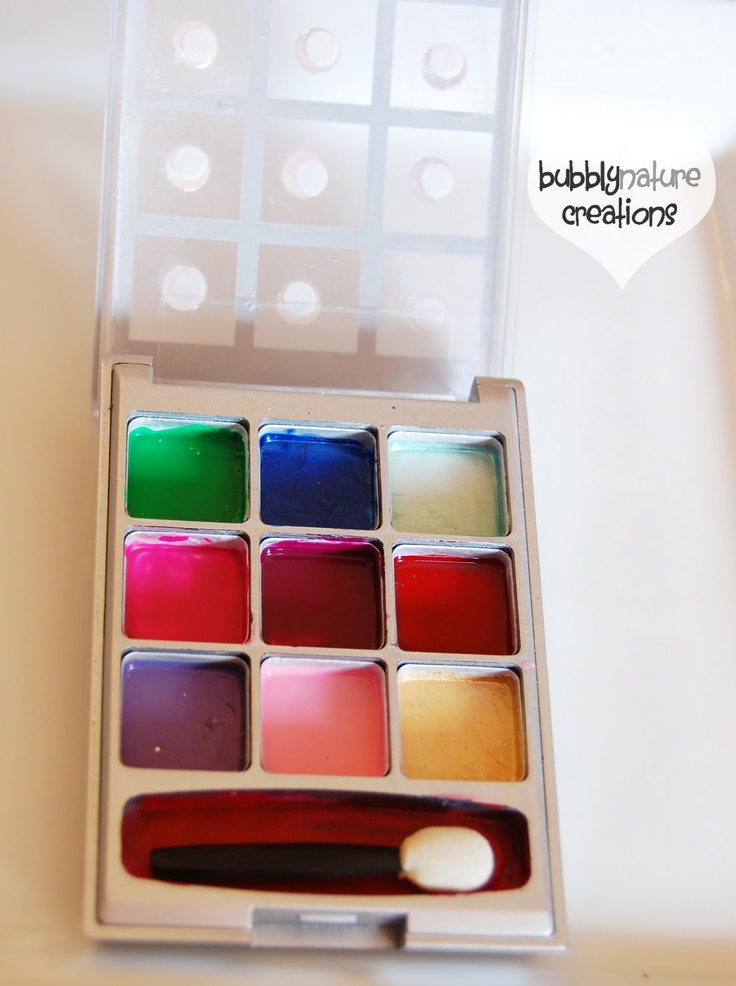 Pretend and Play Make up! make your own pretend makeup using recycled makeup containers!