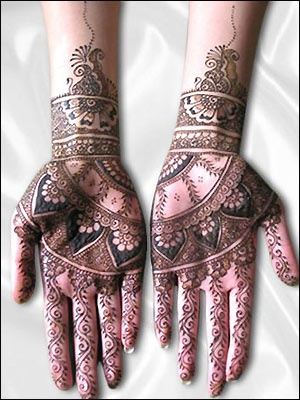 #henna #mehendi #wedding #indian #bride #bollywood @redpaisleys