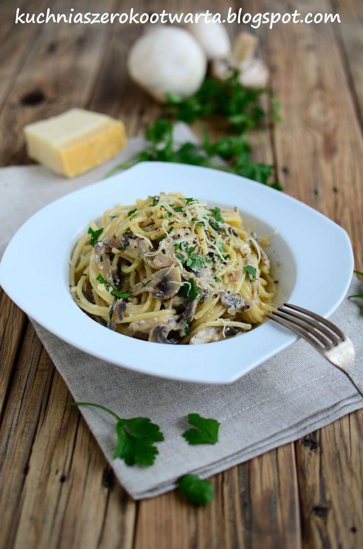 Kuchnia szeroko otwarta: Spaghetti z pieczarkami i kurczakiem