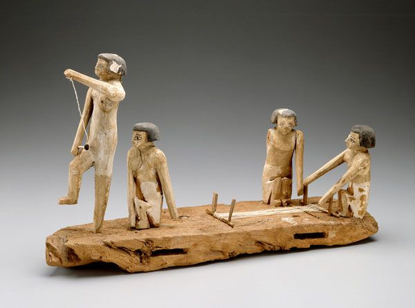 Model of weavers, Middle Kingdom, late Dynasty 11 or early Dynasty 12, 2010-1926 B.C., Wood, Museum of Fine Arts, Boston. Harvard University-Boston Museum of Fine Arts Expedition, Photograph © Museum of Fine Arts, Boston.