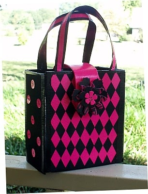 duct tape lunch tote by Candice Windham - Duck Brand duct tape challenge