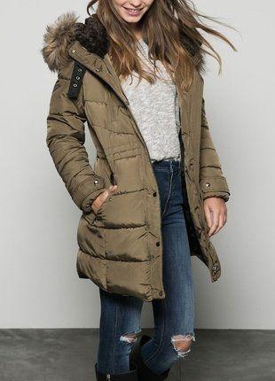 Kup mój przedmiot na #vintedpl http://www.vinted.pl/damska-odziez/kurtki/16484454-zimowa-pikowana-bershka-khaki-futerko-kaptur-sm-ciepla
