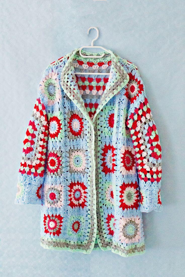 Granny Square Sweater By Lana Red - Free Crochet Pattern - (lanaredstudio)
