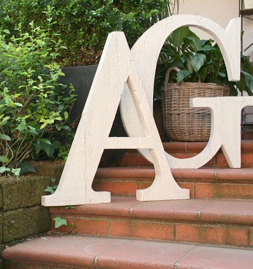 Lettera in legno alta 70cm per decorare e scrivere frasi : Accessori casa di nuvole-di-legno