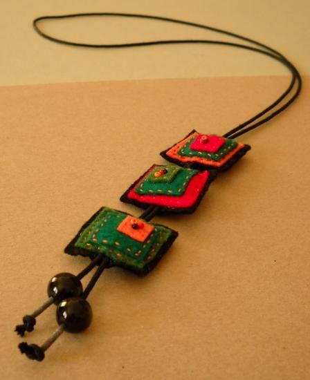 Collar fieltro cuadrados - artesanum com