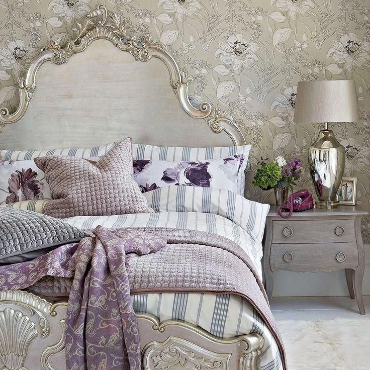 Glamorous Bedroom Designs With Gold Accents You Will Fall In Love With Luxurycloset Luxurious Bedrooms Glamourous Bedroom Country Bedroom Decor