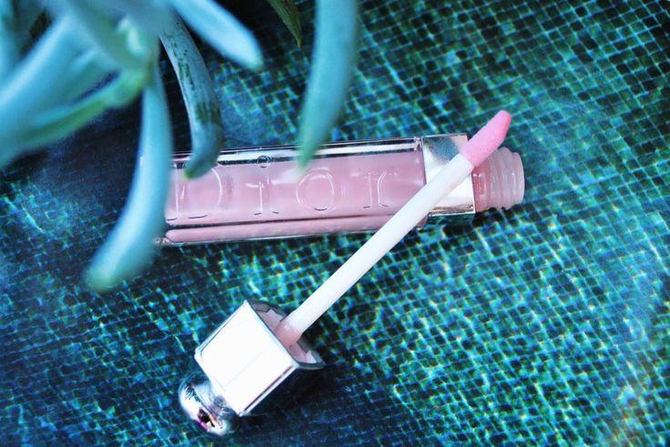 Meine Beauty Favoriten | Top 5 Produkte im Sommer, Der Dior Addict Lip Maximizer gehört schon lange zu meine Beauty Favoriten. Perfekt für den ungeschminkt Look, denn der Addict Lip Maximizer verleiht eigentlich kaum Farbe, sondern macht die Lippen einfach schön glossy. Ganz nebenbei ist der Dior Lipgloss auch noch feuchtigkeitsspendend. Dior Lips, Lipgloss