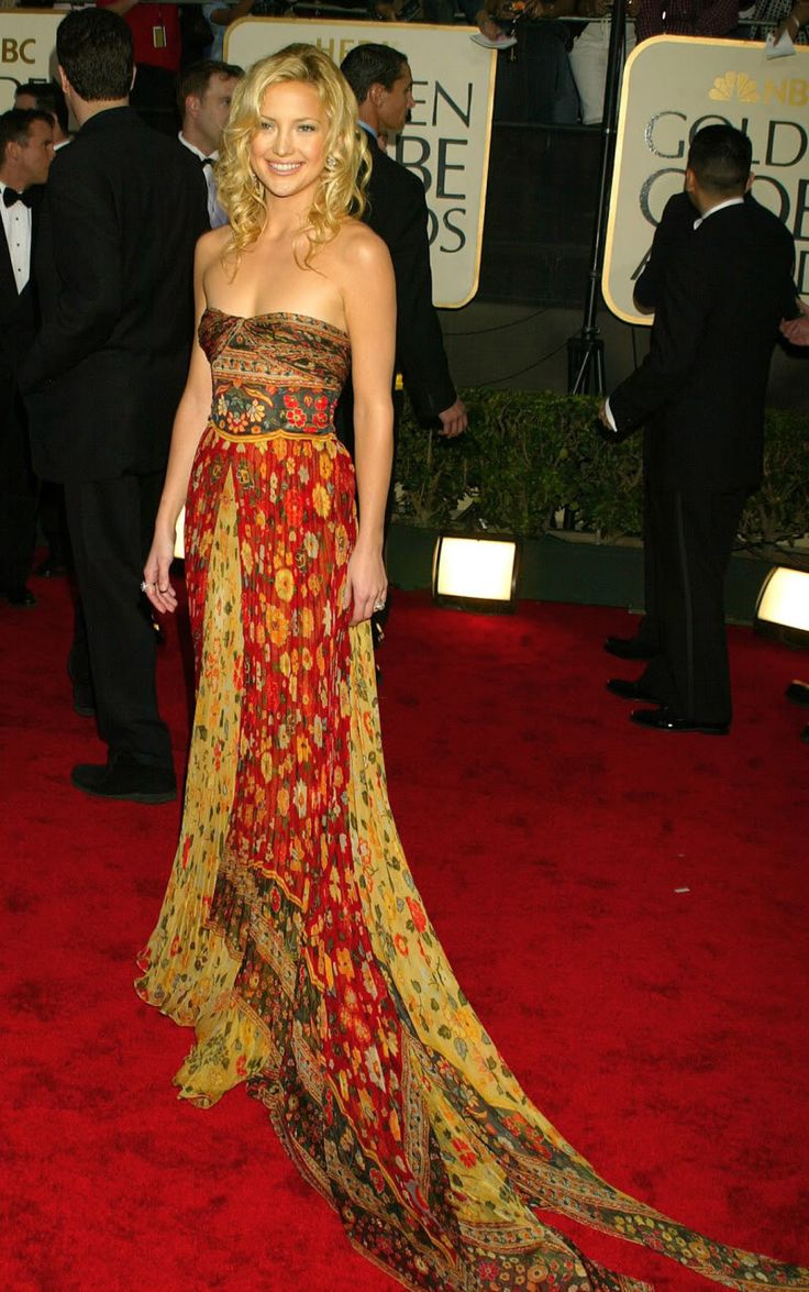 Kate Hudson in Valentino. Favorite red carpet dress ever?
