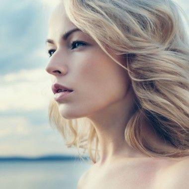 Tartósan bőrregeneráló, prémium kezelés:  90 perces AHAVA Total Regeneration bőrmegújító arckezelő program, különleges Holt-tengeri ásványokkal az Andrássy úton