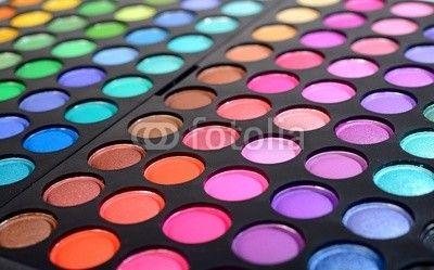 Eye shadows make-up palette close-up© Aleksey Stemme