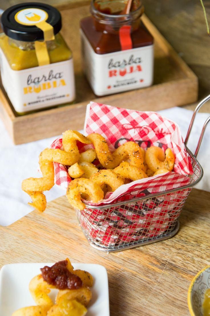 Que os parecen estas patatas espiral tan originales? Están especiadas y fritas por lo que salen deliciosas, pero si además las mojamos en estas salsas..