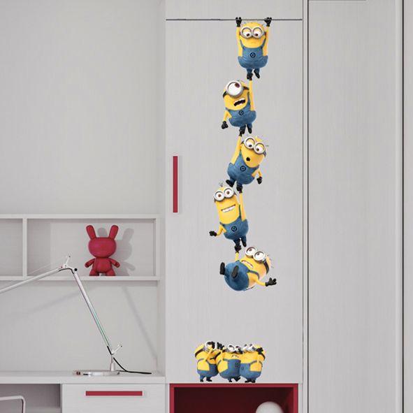 Samolepka na zeď Mimoni řetěz 48 x 115 cm. Jééé, já už to neudržíííím