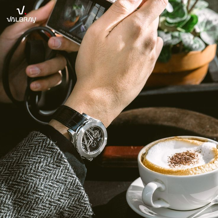 Cofffffee Break with the Oculus Chrono Achromatic Black ! Click here --> http://valbray.ch/watch/achromatic-black