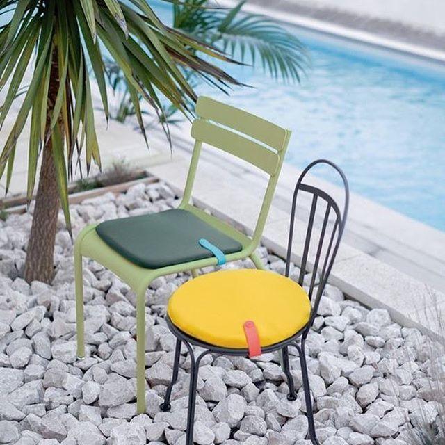 """Ya estamos en plena """"Operación Salida"""", decora tu patio, jardín o terraza con nuestros muebles y disfruta de tu verano! ☀️ Escoge entre 23 colores diferentes en el catálogo de Fermob y pinta tu verano. #DomésticoShop #design #designinterior #interiordesign #interior4you #interior123 #interiordecor #interiorstyling #instahome #home #nordichome #interiorlovers #decoration #love #styling #homedecor #interiorinspiration #color #homestyle #beautifulview #darlingweekend #mastersofwhiteness…"""