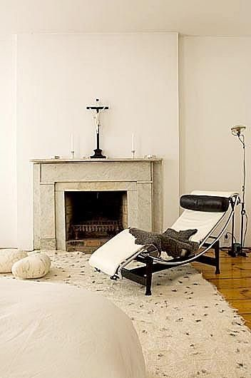 TOIO floor lamp by Achille and Pier Giacomo Castiglioni for Flos and teh LC4, design by Le Corbusier
