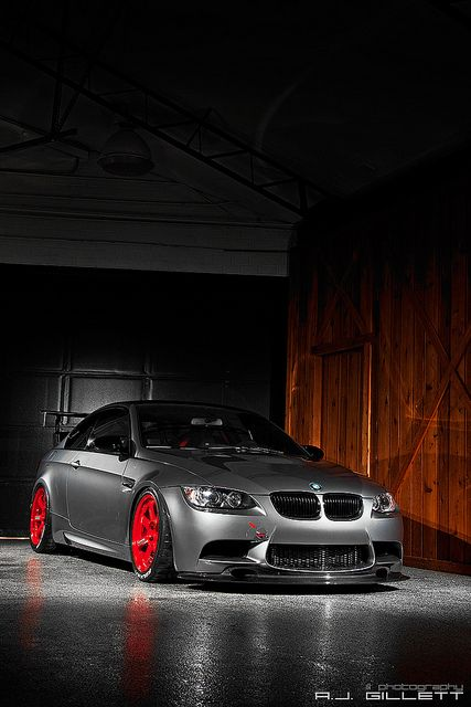 BMW E92 just stance [well done] http://extreme-modified.com/
