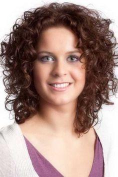 15+ corto y rizado pelo para caras redondas //  #caras #corto #para #pelo #redondas #rizado Haga clic para obtener más peinados : http://www.pelo-largo.com/15-corto-y-rizado-pelo-para-caras-redondas/