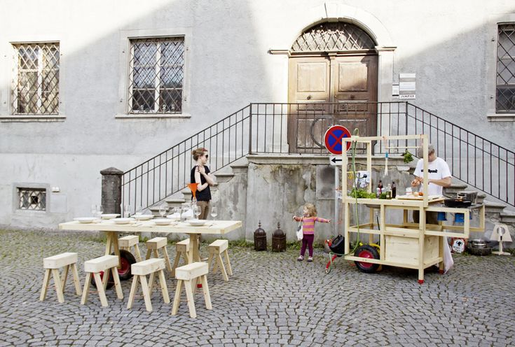 Their Mobile Gastfreundschaft is based on responsibility and self-initiative in public space, combining food and community in a spontaneous and transitory setting. | http://chmararosinke.com/mobile-gastfreundschaft