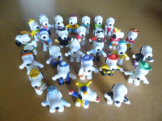 Vintage Snoopy figurines figures twenty-eight various