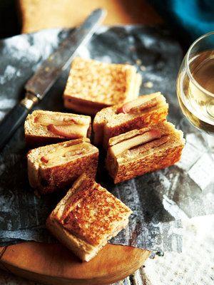 【ELLE a table】ポークソテー&りんごのホットサンドレシピ|エル・オンライン