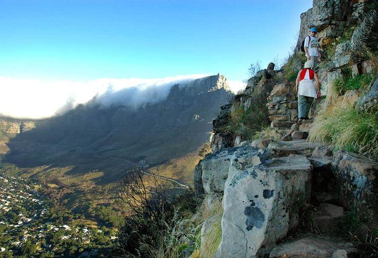 Bergstoppen Lion's Head går att sikta var du än befinner dig i Kapstaden.