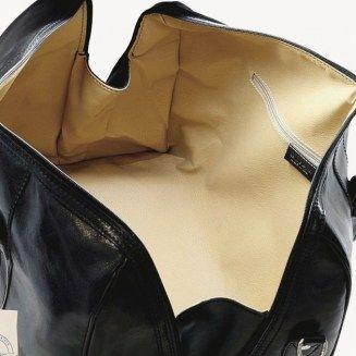 genti de voiaj, geanta de umar, piele naturala, Made in Italy https://gentosenii.wordpress.com/2017/07/16/geanta-de-voiaj-genti-de-voiaj-geanta-de-umar-din-piele-naturala/ via @GENTOSENII