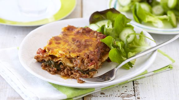 EVERYONES EASY LASAGNE - Nothing beats a tasty, creamy lasagne...and served with crusty bread and a fresh crisp salad, everyone will be coming back for more.