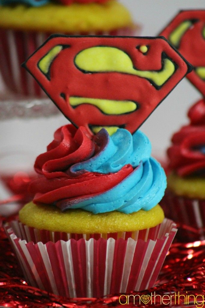 Superhero Party Food - Superman Cupcakes