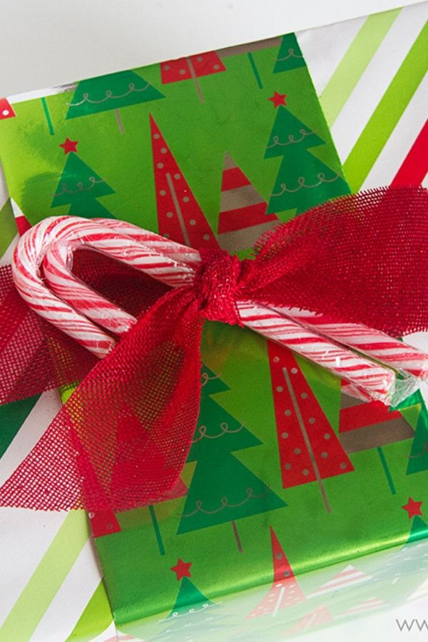 Pin by Family Dollar on Holiday | Simple gifts, Gift wrapping, Holiday
