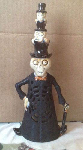 2009-YANKEE-CANDLE-BONEY-BUNCH-UNCLE-VLAD-STACKED-HEADS-TEA-LIGHT-HOLDER-LANTERN