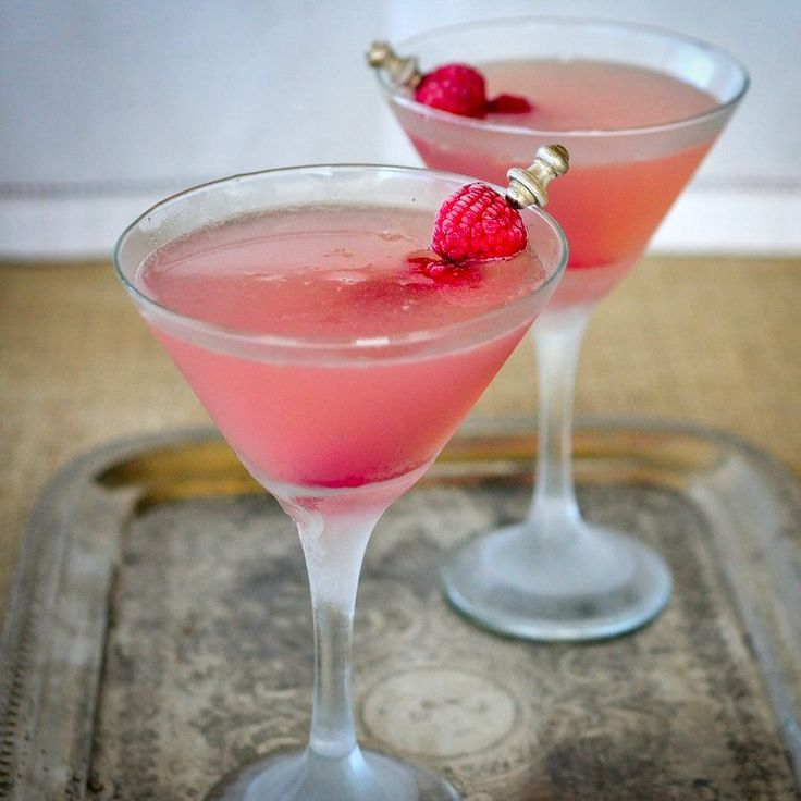 A friend gave us a bottle of Hangar 1's Fraser River Raspberry vodka, and on a whim we tried it in our Lemon Drop recipe. Raspberry Lemon Drop = Big Hit!