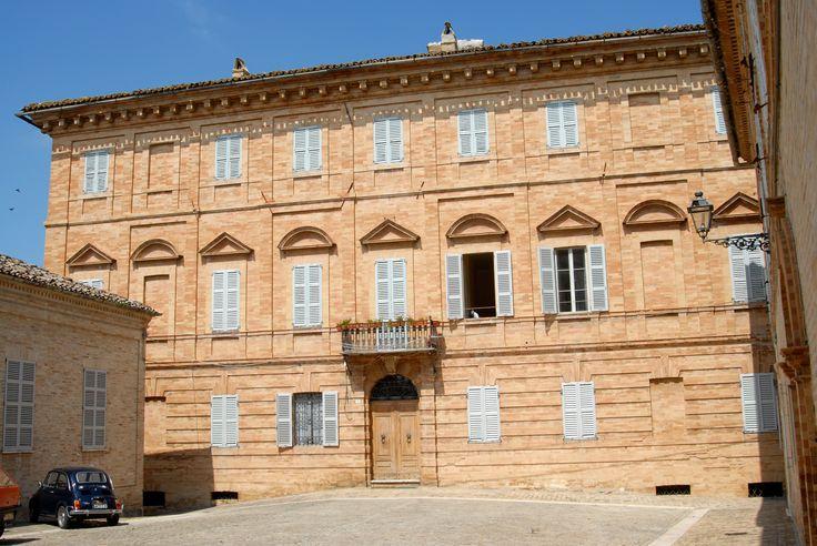 Palazzo Amici. #marcafermana #montottone #fermo #marche