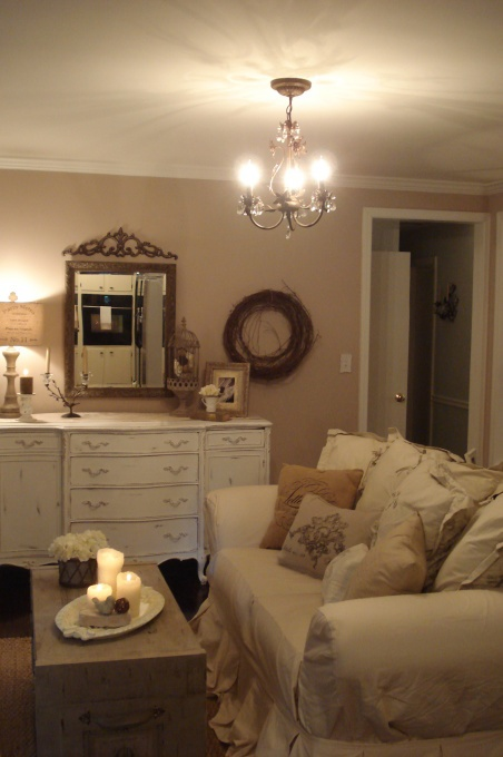 White Cottage, Rustic Elements