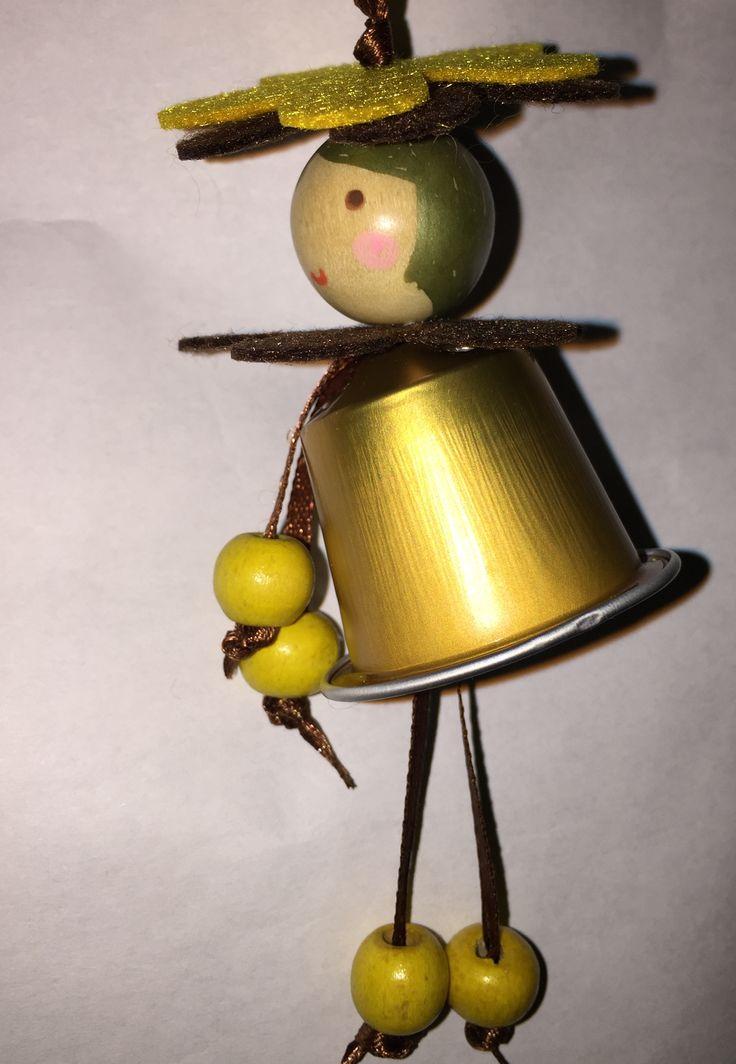 Daisies yellow 'coffee' doll pendant Xmas tree nespresso creative recycling